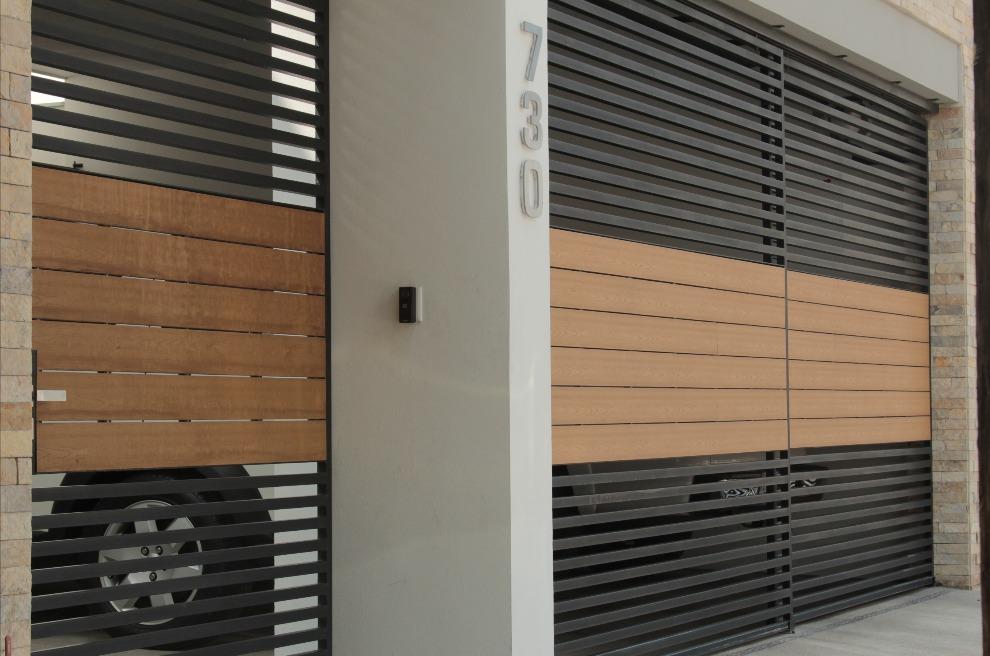 Portones y puerta de acceso